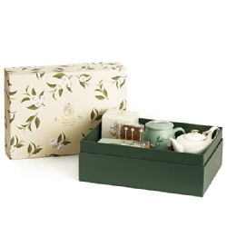 Precious gift box, perfect as gift with La Via del Tè products inside.