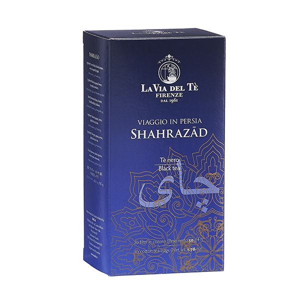 "Shahrazad box of 20 filters The charm of ancient China lives on in this blend that brings together the semi-oxidized (also called semi-fermented) Oolong tea and the precious buds of Yin Zhen (""Silver Needles"") white tea, once intended for the Emperor solely. Tea of serenity, with an enveloping aroma of red fruit."